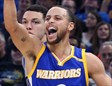 Stephen Curry celebra un triple ante Magic
