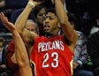 Anthony Davis lanza ante Humphries