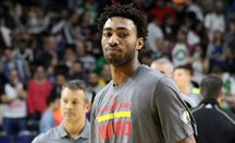 James Young, calentando en Madrid con Boston Celtics