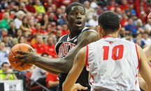 Anthony Bennett no levanta cabeza en la NBA