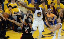 Durant, Curry y un enorme Green tiran de los Warriors