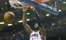 Drummond haciendo un mate ante Clippers la pasada temporada