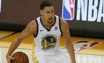 Warriors aplasta a Spurs en el primer partido de playoffs