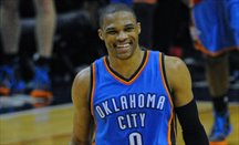 OKC gana con triple-doble de Westbrook y 71 puntos de su big three