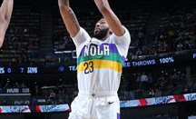 Anthony Davis jugó 21 minutos ante Lakers