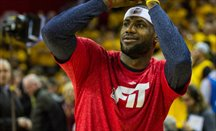 LeBron James debuta en la pretemporada