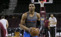 Westbrook anotó 57 puntos y completó otro triple-doble