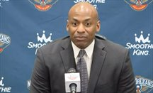 New Orleans Pelicans destituye a Dell Demps