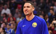 Klay Thompson anotó 38 puntos y metió 7 triples