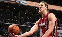 Olynyk regresa a Boston y funde a los Celtics con 32 puntos