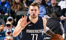Dallas humilla a Warriors ganando 142-94 con un Doncic desatado