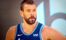 Marc Gasol se divierte con LeBron James en el Staples