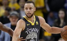 Curry no para de meter triples