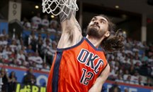 Steven Adams interesa a los Celtics