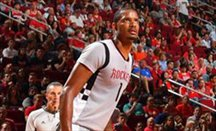 Ariza lideró la anotación de Houston Rockets