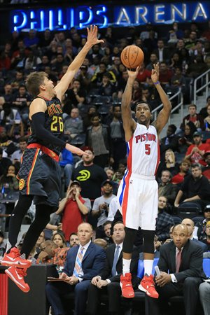 Caldwell-Pope lanza ante Kyle Korver