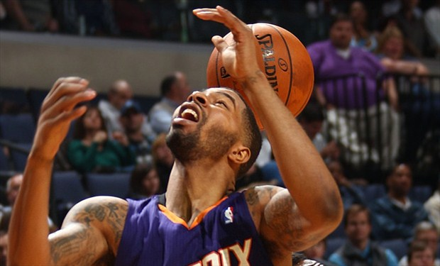 Los pistons podr an estar interesados en markieff morris for 2 hermanos salon phoenix az