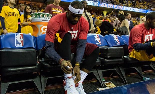 LeBron James es el rey de las ventas de ropa y calzado deportivo