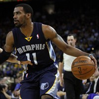 Mike Conley y Stephen Curry brillaron en el partido