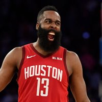 James Harden estalló contra el árbitro Scott Foster